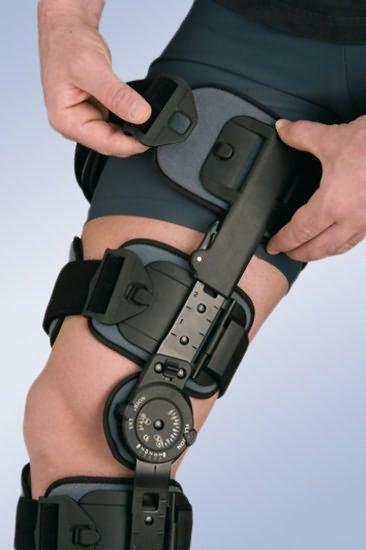 Жесткий ортез на коленный сустав