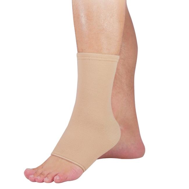 Эти ленты часто применяются спортсменами и людьми, которые длительное время проводят стоя на ногах