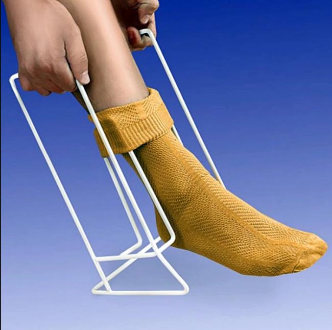 Благодаря этим средствам реабилитации для инвалидов даже ребенок с ДЦП сможет одеться легко и быстро