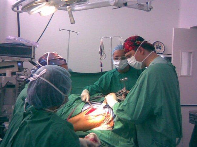 Операция по восстановлению поврежденного мениска