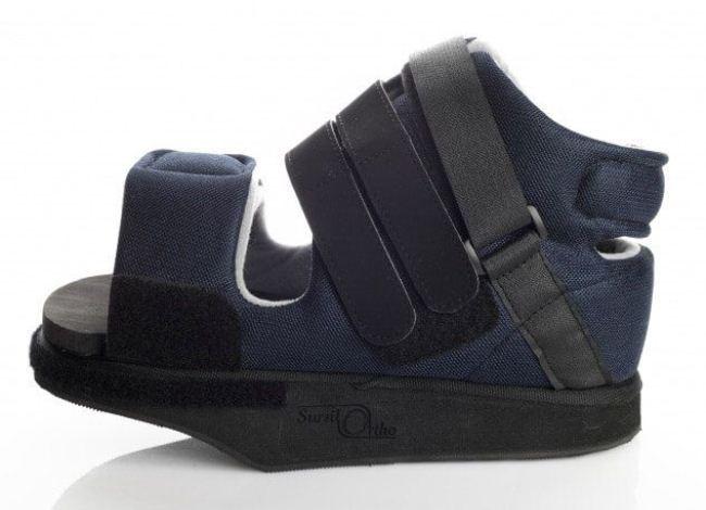 Обувь Барука обеспечивает устойчивость и надежно защищает большой палец стопы после операции